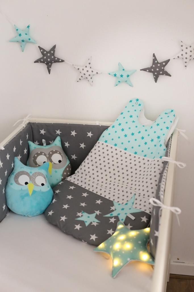 tour de lit et gigoteuse toile patchwork menthe l eau guili gribouilli linge de lit et de. Black Bedroom Furniture Sets. Home Design Ideas