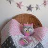couverture patchwork hibou rose poudré