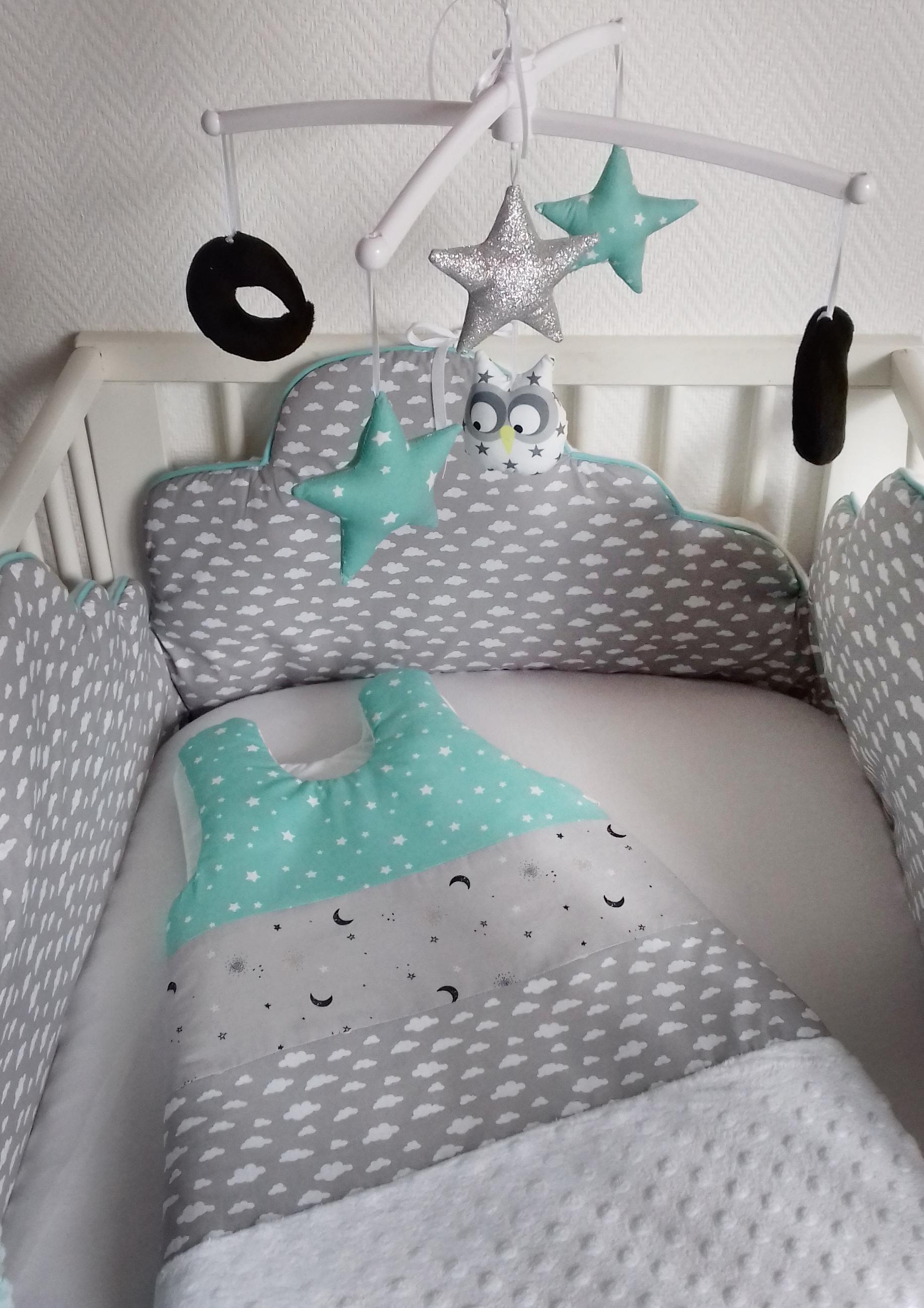 tour de lit et gigoteuse nuage menthe guili gribouilli linge de lit et de d co pour enfant. Black Bedroom Furniture Sets. Home Design Ideas