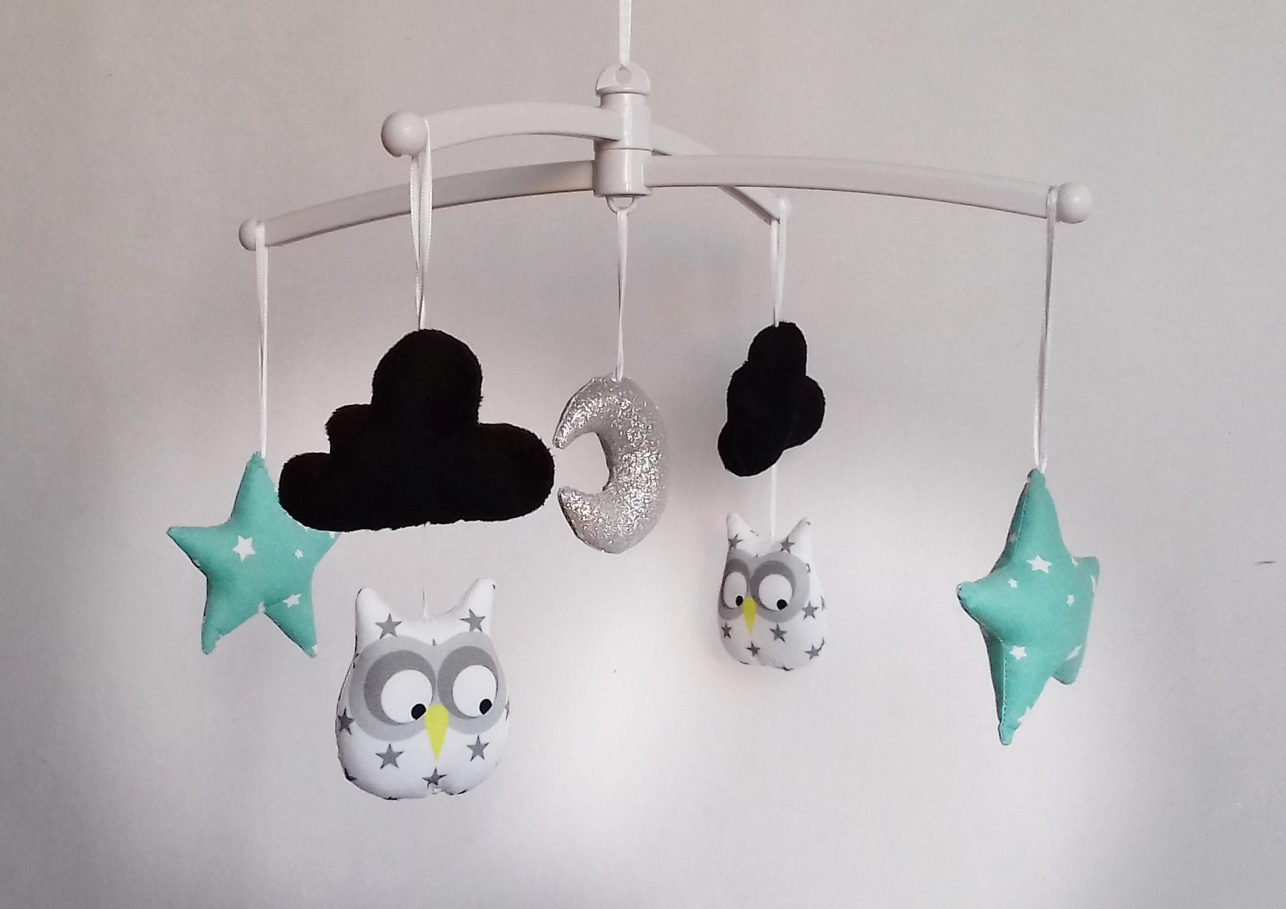 Mobile hibou gris menthe noir guili gribouilli linge de lit et de d co pour enfant - Mobile bebe gris ...