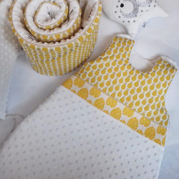 tour de lit et gigoteuse ananas jaune d'or